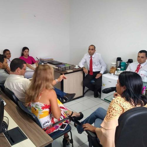 Reuniões com representantes de redes farmacêuticas